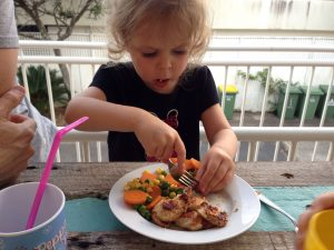 How to get kids to eat healthy dinner