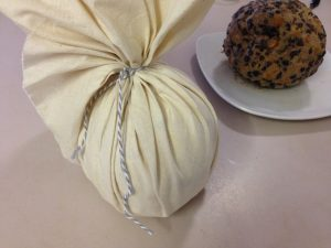How to use Calico for traditional boiled Christmas pudding