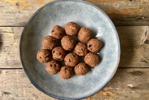 Bliss balls with oats
